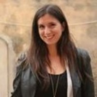 eleni professeure de litt 233 rature grecque donne des cours de grec moderne 224 distance par skype