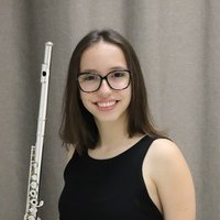 Professional flutist offers flute and music theory lessons in and around Zurich!